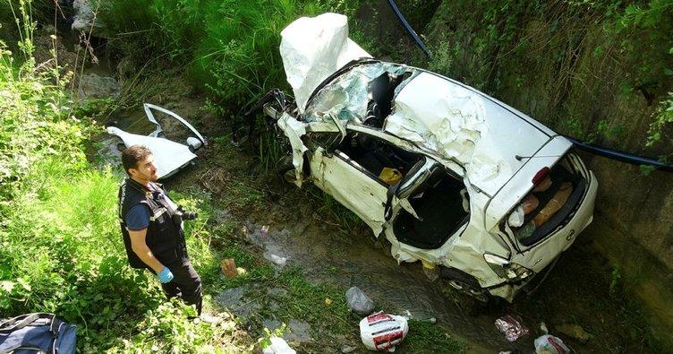Tatilden dönen eşleri trafik kazası ayırdı