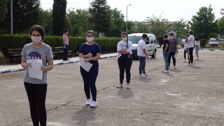 Milli Savunma Üniversitesi Askeri Öğrenci Aday Belirleme Sınavı sona erdi! İşte normalleşmede ilk maskeli sınav...