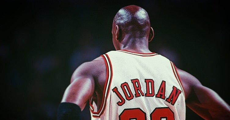 Michael Jordan'ın ayakkabısı rekor fiyata satıldı!
