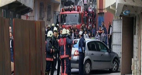Esenler'de göçük tehlikesi, 2 bina boşaltıldı