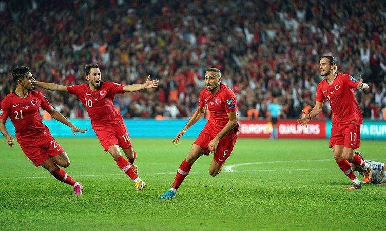 SABAH yazarları Türkiye - İzlanda maçı için ne dedi?