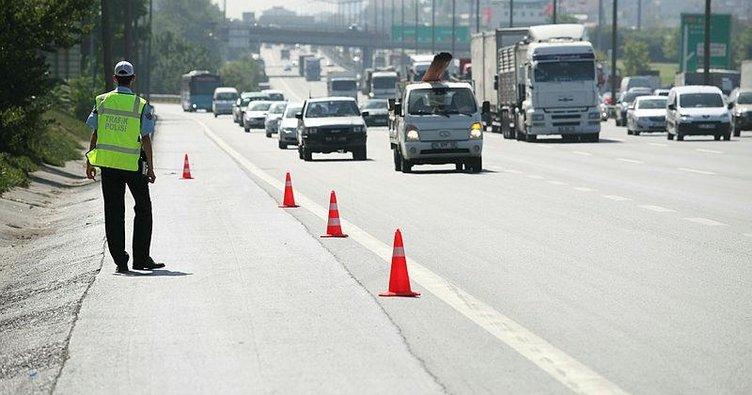 Şerit ihlali cezası ne kadar? 2021 Emniyet şeridi kullanma ve ihlal için kesilen trafik cezası ücreti