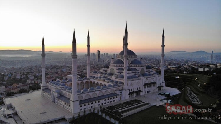Son dakika! İstanbul'da Bayram sabahı! Camiler boş kaldı...