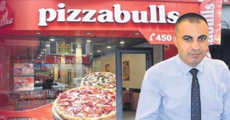 Pizzabulls çalışanını patron yaptı