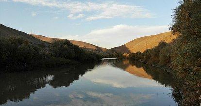 Murat Nehri çevresi sonbaharda görsel şölen sunuyor