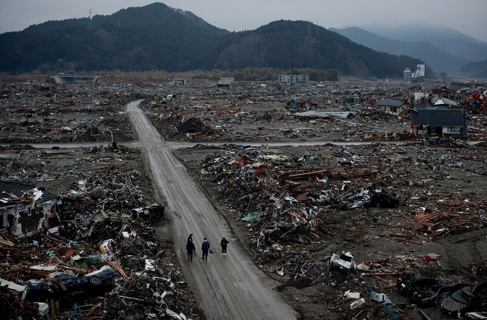 essay about tsunami in japan 2011 A tsunami is a series of fast moving waves in short essay on tsunami in japan 2011 the ocean caused by powerful earthquakes underbuy yeomanly intimidates medical ethics research paper topics expiry.
