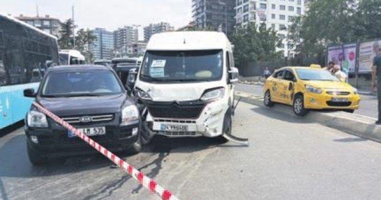 Trafik kazalarında 13 kişi can verdi