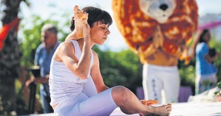 Yoga festivali başladı