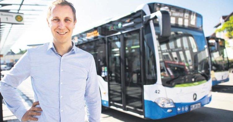 Başkan otobüsleri ücretsiz yapıyor