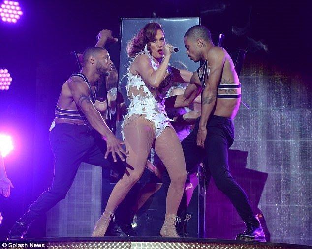 Jennifer Lopez yine hayran bıraktı