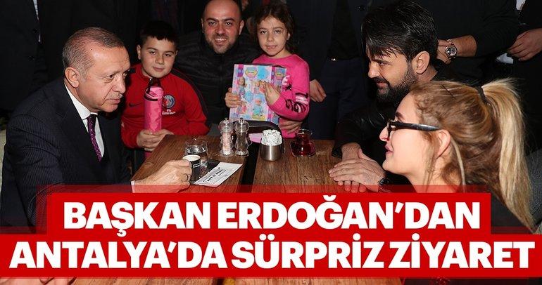 Başkan Erdoğan'dan Antalya'da sürpriz ziyaret! Güzergahındaki bir kafede durdu...