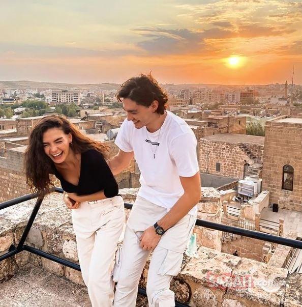 Hercai'nin yıldızı Ebru Şahin sevgilisi Cedi Osman'a olan aşkını böyle haykırdı! Cedi Osman ile Ebru Şahin'in aşk pozuna beğeni yağdı!