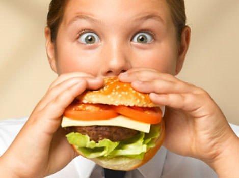Hareketsiz tatil çocukları obez yapmasın