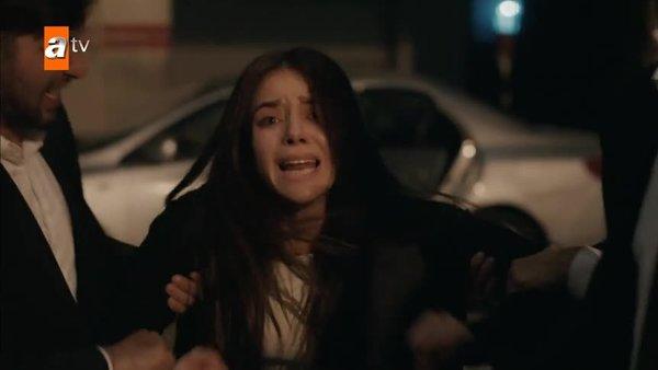 Kimse Bilmez 21. Bölüm (10 Kasım 2019 Pazar) tamamı kesintisiz tek parça izle! Kadın için cinayet...