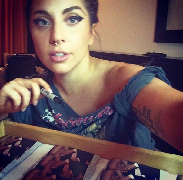 Lady Gaga'dan yeni dövme