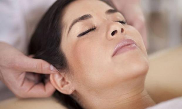 Kulak masajı tüm ağrıları yok eden bir mucize!