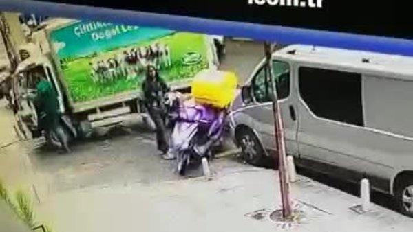 Motosikletin üzerinde unutulan telefonu çaldı! Hırsızlık anları böyle görüntülendi | Video