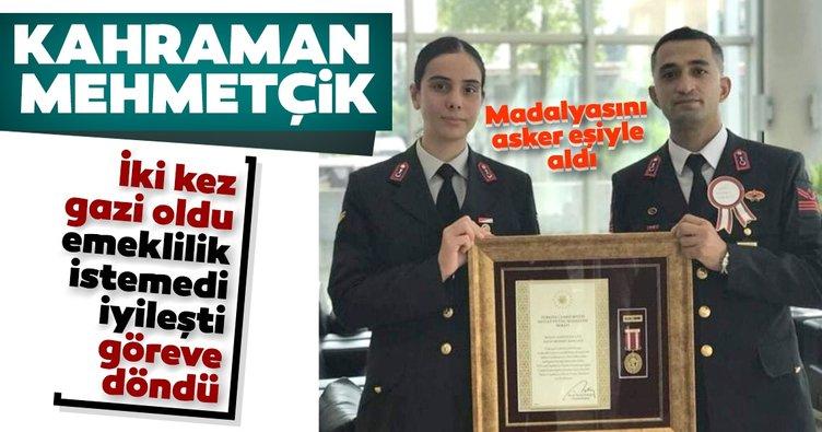 Kahraman Mehmetçik! Mesleğini bırakmayarak görevine döndü