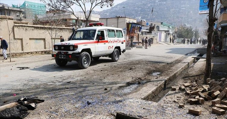 Afganistan'da yol kenarına yerleştirilen bomba patladı: 5 ölü, 3 yaralı