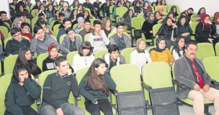 Öğrencilere 'siber' eğitimi verildi
