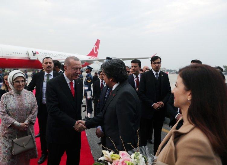 Başkan Erdoğan'a Pakistan'da coşkulu karşılama