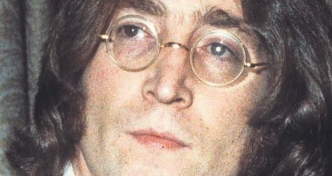 Lennon'un gözlüğü 170 bin euroya satıldı
