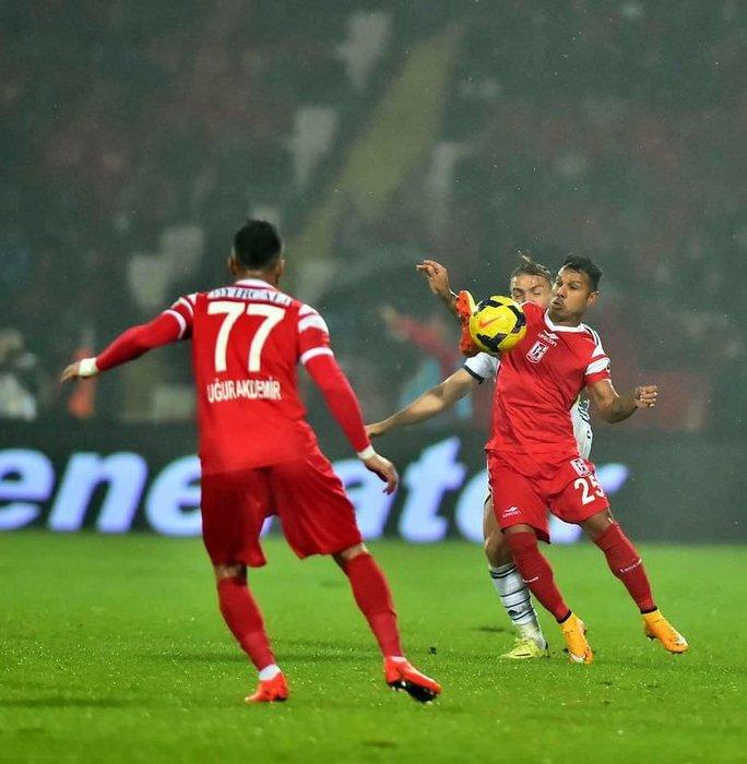 Balıkesirspor - Fenerbahçe maçının fotoğrafları