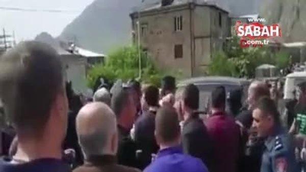 Paşinyan'a öfke dinmiyor: Defol, burada işin yok | Video