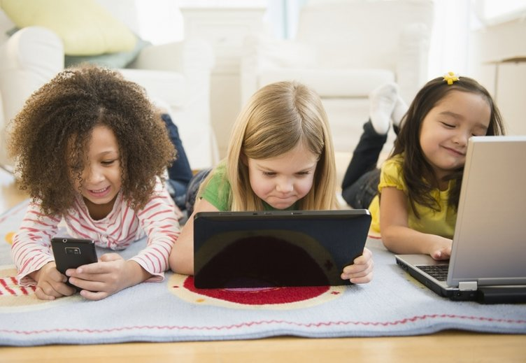 """effects of internet to teenagers """"negative effects of internet"""" is a new article that shows you 14 negative effects when using internet on children and students."""