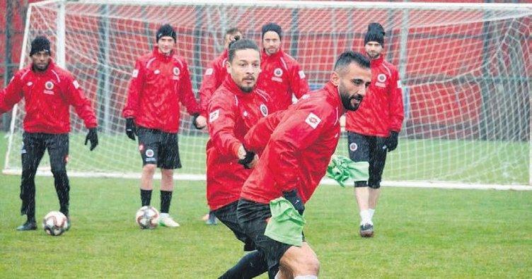 Gençler Adana deplasmanında