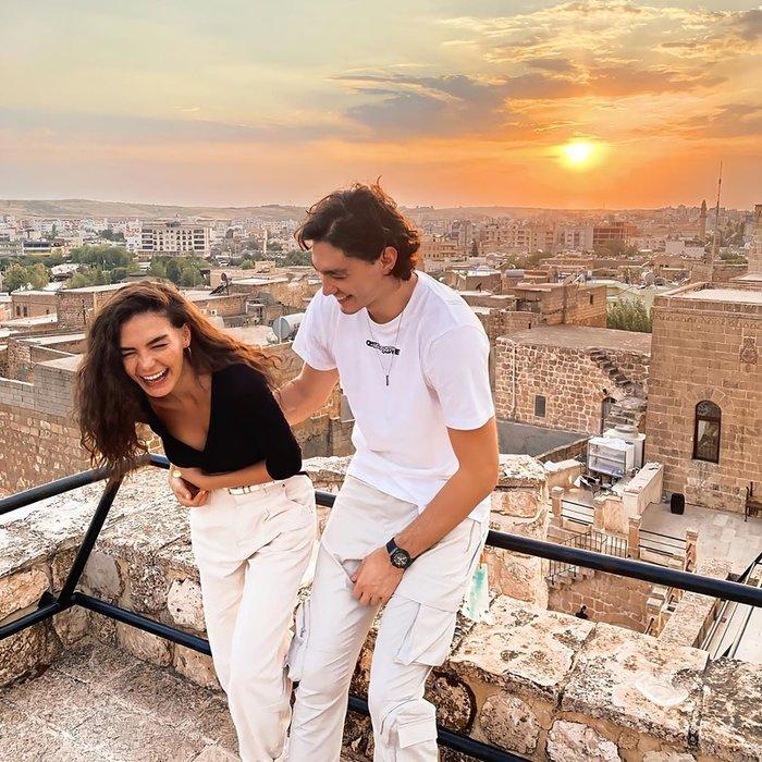 Ebru Şahin'in sevgilisi Cedi Osman'a büyük onur