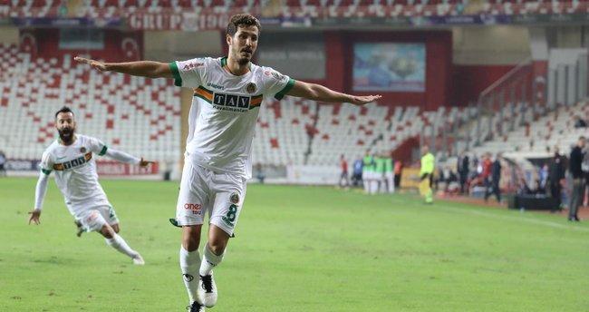 Salih Uçan kararını verdi! Galatasaray devreye girdi Beşiktaş'ı seçti
