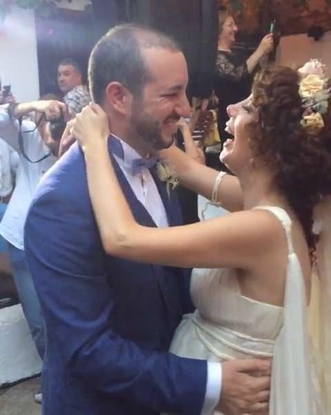 Akasya Asıltürkmen ile Serdar Özerman evlendi