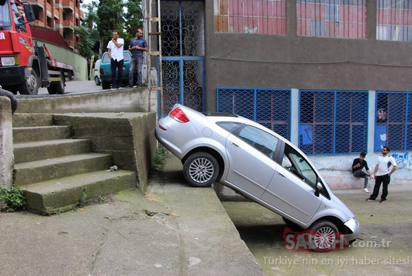 Şaşkın sürücü 3 metrelik duvardan bahçeye düştü