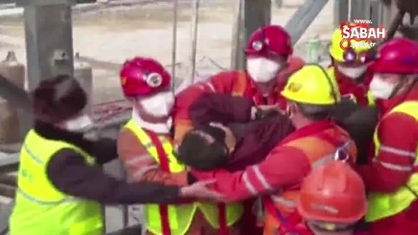 Çin'de mahsur kalan 22 madenciden 11'i iki hafta sonra kurtarıldı | Video