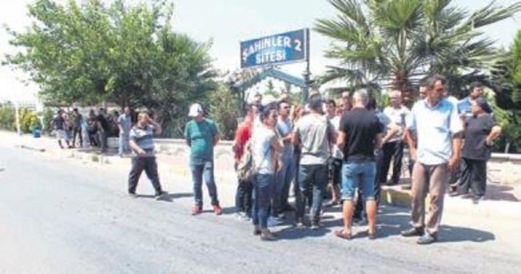 Turizm çalışanları maaş eylemi yaptı