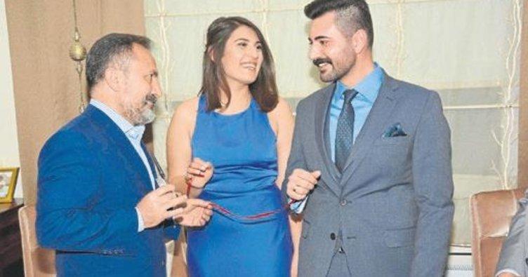 Genç çiftin yüzüğünü Milletvekili Dağlı taktı