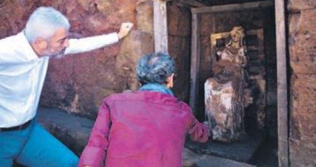 Ordu'da 2 bin 100 yıllık Kibele heykeli
