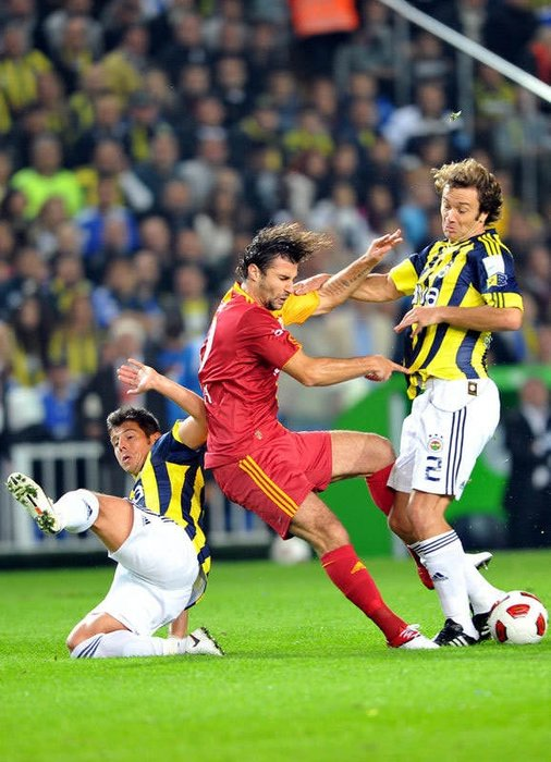 Fenerbahçe - Galatasaray derbi maçından kareler