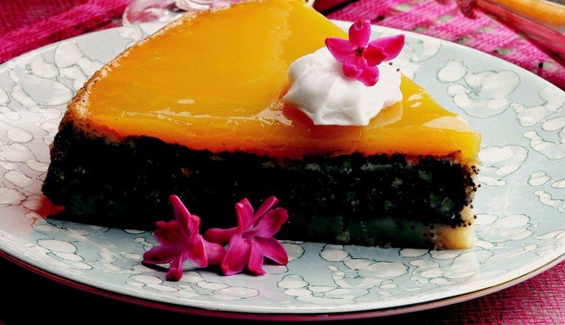 Meyve Pelteli Haşhaşlı Pasta
