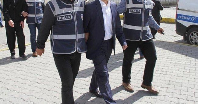 İzmir'de FETÖ operasyonu: 19 gözaltı