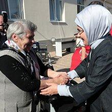 Emine Erdoğan'a Gagauz özerk yeri başkentinde coşkulu karşılama