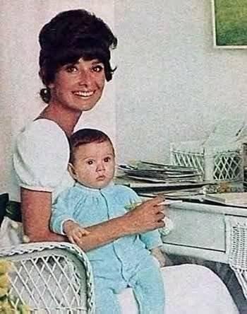 Audrey Hepburn'ün oğlu Cahide'deydi