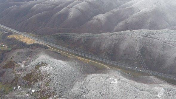 Bolu Dağı'nın eşsiz kar manzarası havadan görüntülendi!