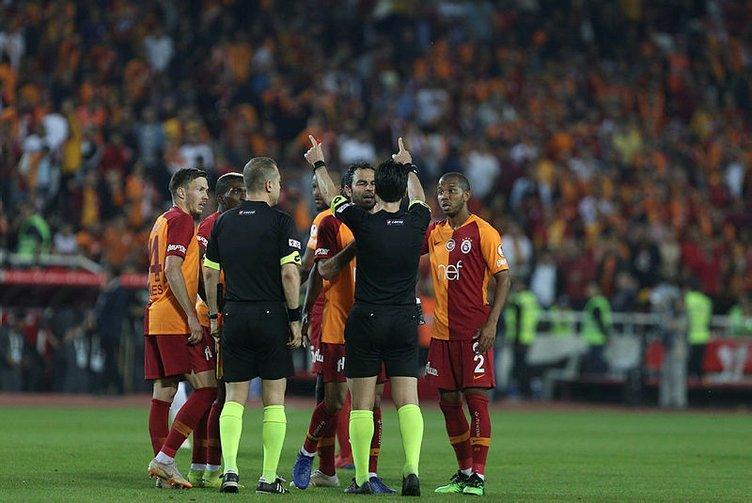 Erman Toroğlu: Suat Arslanboğa bu maçın altında ezildi