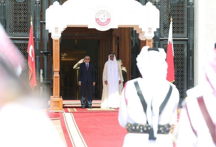 Son dakika: Cumhurbaşkanı Erdoğan Katar'da böyle karşılandı