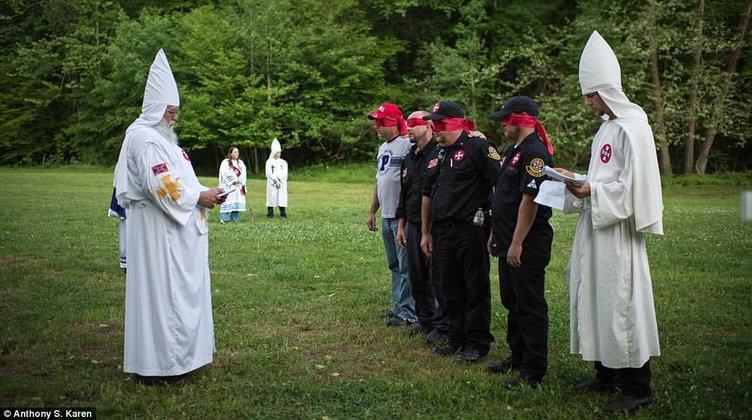 Irkçı Ku Klux Klan 21. yüzyılda hala hayatta