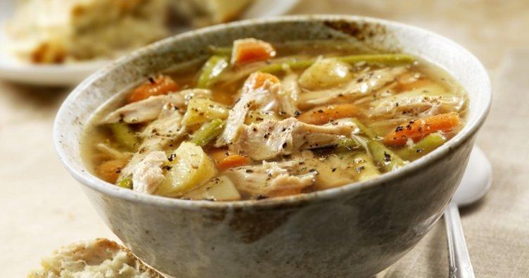 Tavuk suyuna çorba tarifi...