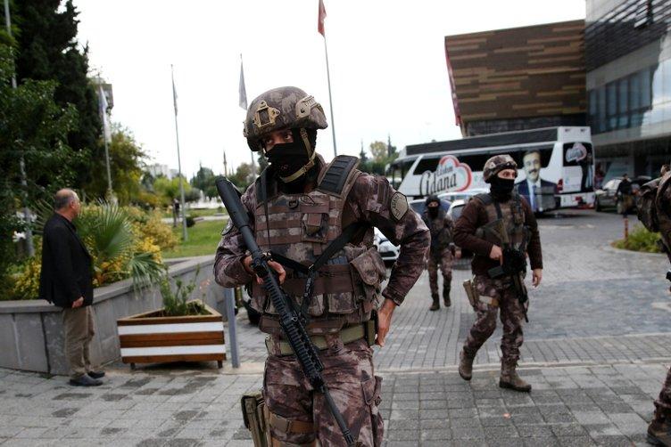 Son dakika haberi: Çukurova Belediyesi'nde silahlı saldırı: Zabıta müdürü ve komiseri öldürüldü...