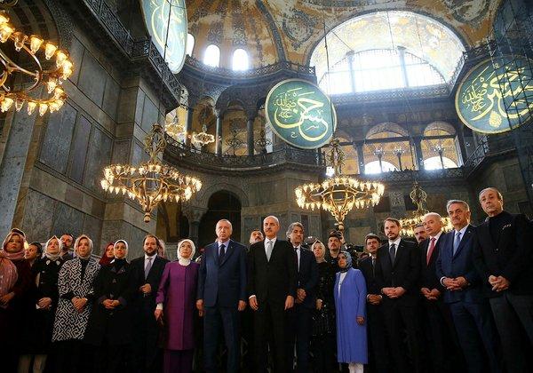 Cumhurbaşkanı Erdoğan'ın Yeditepe Bienali açılışından yansıyan kareleri